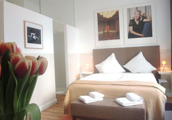 hotel marsil k ln. Black Bedroom Furniture Sets. Home Design Ideas
